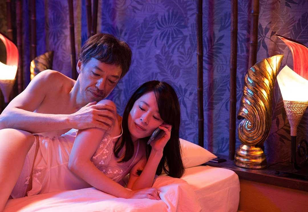 韩国三级 演员列表燃烧不像是一部电影更像是一个生活中的片段很多人就是在我们的生命中突然闯入然后又突然消失只不过这部影片的最后结局让人唏嘘不已2019寄生虫.(图40)