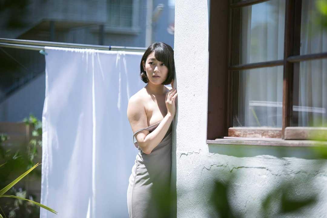 韩国三级 演员列表燃烧不像是一部电影更像是一个生活中的片段很多人就是在我们的生命中突然闯入然后又突然消失只不过这部影片的最后结局让人唏嘘不已2019寄生虫.(图41)